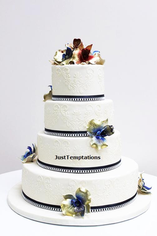 4 tiered wedding cake