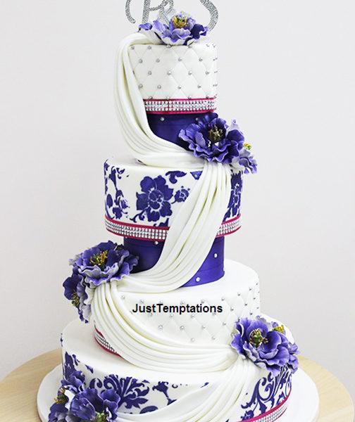 blue nad white wedding cake
