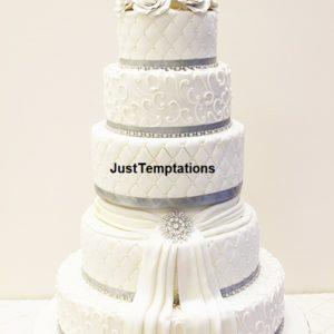 queen white wedding cake